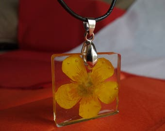Yellow buttercup real pressed flower large square pendant necklace jewelry, clear resin encasing real pressed bright yellow flower