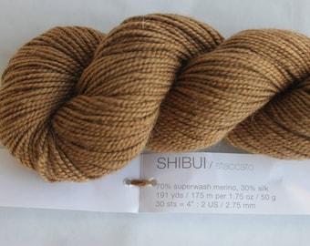 SHIBUI LUXURY YARN Staccato - Peruvian superwash merino wool silk blend
