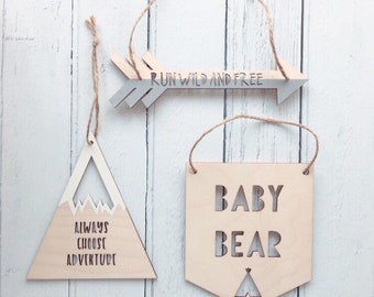 Baby Bear hanging wooden flag