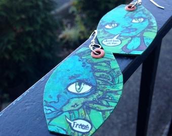 Medusa Blythe doll inspired hand-painted earrings - green - snake - mythology