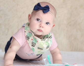 Cactus Bandana Bib, Burp Cloth and Pacifier Clip. Baby Gift Set. Boho Baby GIft. Baby Bib, Baby Pacifier Clip. Baby Burp Cloth. Succulents