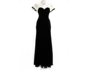 Size 10 1940s Evening Dress - Chic 40s Black Velvet Formal Gown with Sheer Ivory Lace Neckline & Rhinestones - WWII Era - Bust 35.5 - 50668