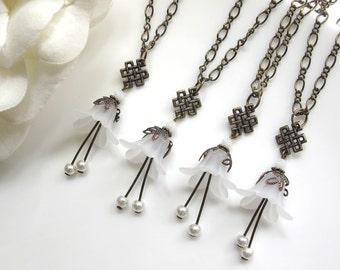 Snow White Lucite Flower Pearls Necklace. Designer Chain Vintage Style Bridal Wedding. Friendship Engagement Gift
