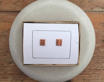 Hammered Copper Square Stud earrings