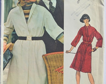 Vintage Sewing Pattern Vogue 1115 Jerry Silverman Dated 1975 mid-knee length dress
