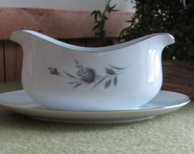 Maltese Rose Gravy Boat with Underplate by Wyndham Fine China, Japan Sauce Bowl