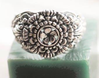 Flower Ring, Filigree Ring, Flower Engagement Ring, Flower Wedding Ring, Filigree Engagement Ring, Mandala Ring, Boho, Sterling Silver Ring