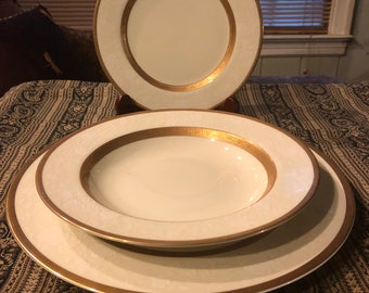 Mikasa Antique Lace 3 Piece Place Setting. Dinner Plate/Salad Plate/Bowl