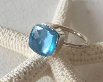 PLETO - Blue Topaz ring