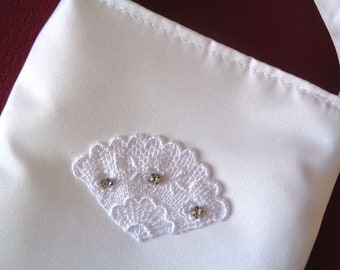 First Communion Purse, Flower Girl Purse, Girls Purse, White Purse, Brides Money Bag, Brides Purse,