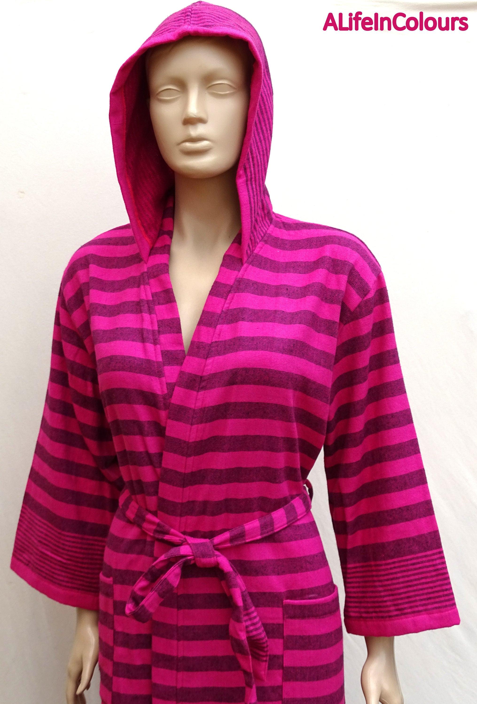 La mujer negra a rayas fucsia color rosa turca de algodón de
