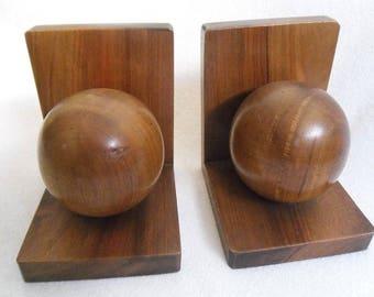 Bookends-60s design-Panton ball-wooden balls-great grain-circa 1965-Book Supports