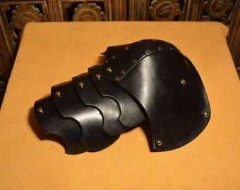 "Pauldron for Modular Larp Harness- ""Swaddle Dog"""