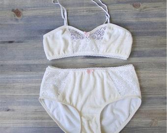 Organic underwear and bralette set, organic bamboo velour panties and bra, ivory lace soft  bra, organic lingerie shop