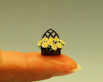 1/4 inch scale miniature-Daisies in a planter