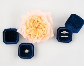 Velvet ring box - Octagonal ring box - Wedding - Gift - Midnight Blue