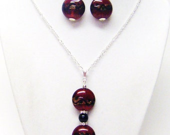 Dark Red Disc Glass Bead w/Rondelle Rhinestones Pendant Necklace & Earrings Set