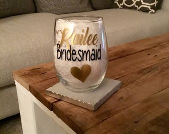 Bridesmaid wine glass. Bridesmaid glasses. Gift for bridesmaid. Bridesmaid ask gift. Asking to bridesmaid. Bridal party wine glasses.