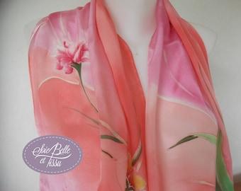 Foulard étole en soie rose peint à la main, motif floral romantique, écharpe en soie mariage, cadeau pour elle