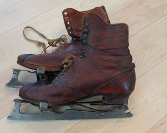 Vintage women's Ice Skates Halifax Pattern Club Skate approx 1900 with boots with original laces.