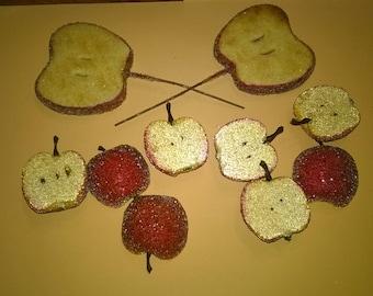 174) Pommes factices , coupées  à paillettes imitation de sucre