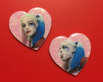 HARLEY QUINN: pins or magnets