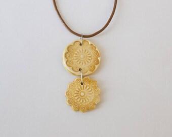 Pendant double ceramic mustard yellow, flower print