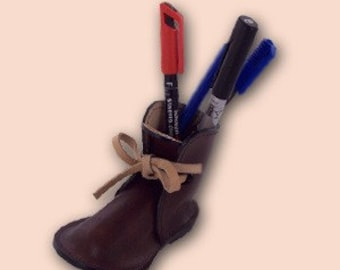 Small brown shoe pencil holder