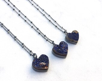 Druzy heart necklace, raw stone necklace, rough azurite stone pendant, dark blue stone heart pendant with oxidized sterling silver chain