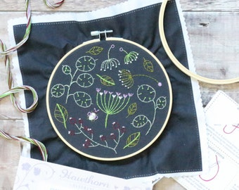 Black Seedhead Spray Embroidery Kit - Embroidery Design - Floral Embroidery - Hand Embroidery - Hoop Art - Modern Embroidery - Adult Craft
