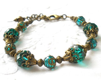 emerald green victorian bracelet green beaded bracelet green jewelry victorian jewelry beaded jewelry