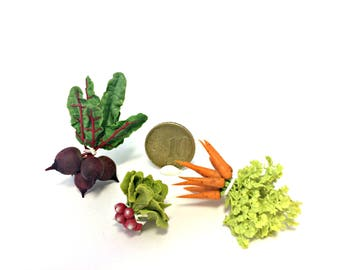 Dollhouse miniature  Bundles of vegetables with tops 1:12