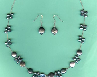 NECKLACE SET  Silvery-Grey Agate, Peacock Cultured Freshwater Pearls Sterling Silver Set