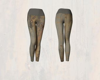 Yoga Leggings Graphic Print of Blistered Rusty Scratched Painted Metal Outdoor Post, Scary Workout Wear