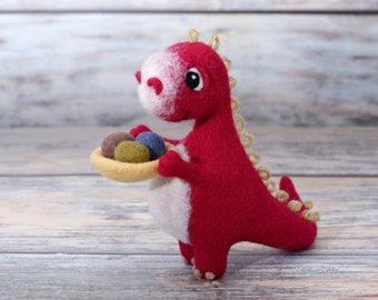 Needle felted red Dragon with bowl full of eggs, Wool animal, Handmade felt toy, Soft doll, Dragon lovers