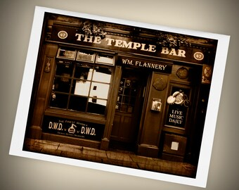 Temple Bar Single Blank Greeting Card, Ireland, Pub, Dublin, St. Patrick's Day, Mini Art, Size A2
