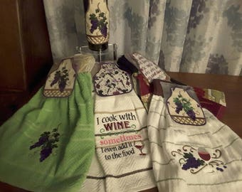 Bottle apron with matching towel