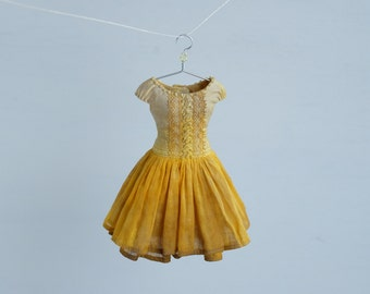 Wild Rose, stained yellow - Blythe dress