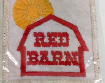 """Patch/Applique/Red Barn With Yellow Sun/3.25"""" Square/B"""