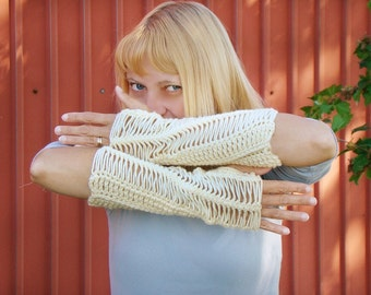 Buttercream Fingerless Mittens, Hairpin Lace Long Arm Warmers, Cream Lace Mitts, Long Fingerless Mittens, Off White Wrist Warmers