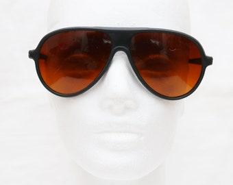 "90's Vintage ""RANGER"" Large Aviator Sunglasses"