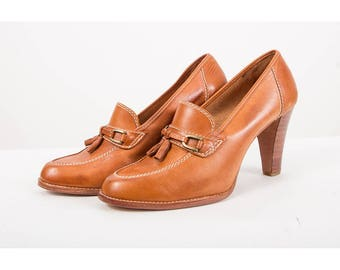 Vintage heeled loafers / 1970s leather oxfords with stacked heel / Equestrian bit with tassels / Brown spectator pumps 8