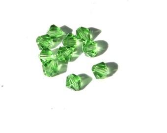 25 PCs Faceted Swarovski Crystal Beads / Bicone / 4mm / green   Ksw214-4