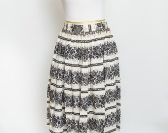 Black and white vintage skirt