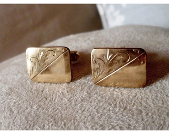 Vintage 1970s Gold Tone Etched Swirl Square Cuff Links