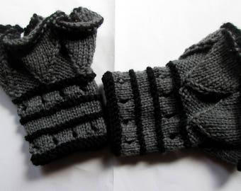 Knitting pattern: ruffled cuffs / wrist warmers