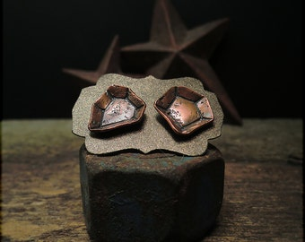 E1516 Organic Gem cups - post earrings
