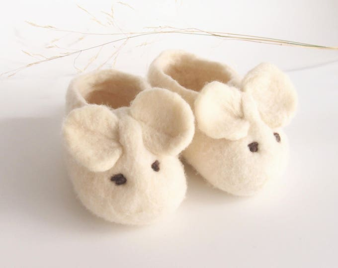 Baby Booties, merino wool booties, shoes mouse, special baby gift, animal shoes. Unisex Afeltrados shoes. Shoes Artisans