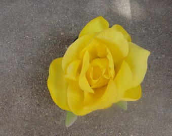 Cute silk   flower  with  clip back  yellow   color 1 piece listing