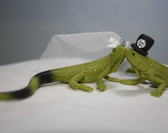 Iguana Cake Topper - Lizard Cake Topper - Animal Cake Topper - Wedding Cake Topper - Cute - Unique - Personalized - Custom - Fancy